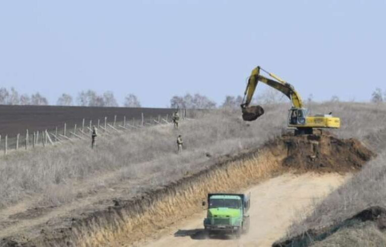 Украина обустраивает на границе ловушки для российских танков