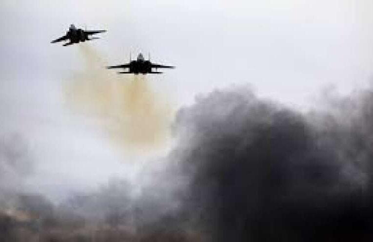 Склады оружия и боеприпасов армии режима Асада уничтожила израильская авиация