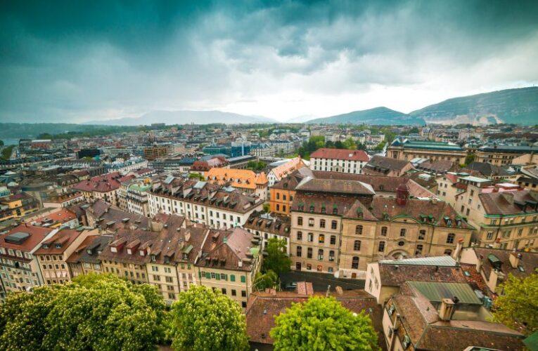Швейцария закрывает небо над Женевой
