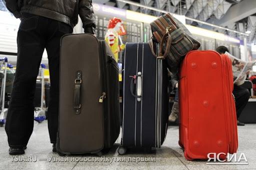Количество россиян, желающих навсегда покинуть страну, рекордно выросло
