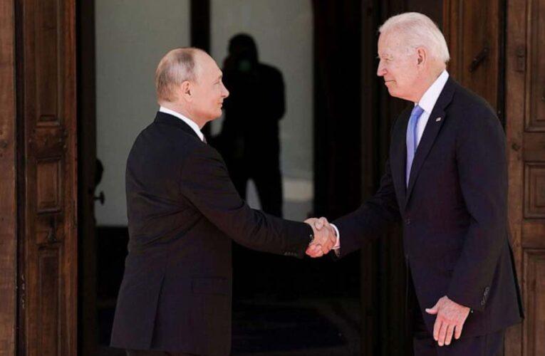 Эксперт по языку тела рассказал об истинных эмоциях Путина и Байдена