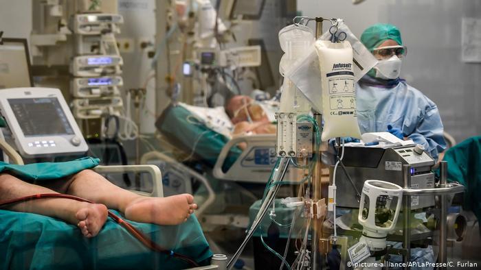 В мире сменился лидер по суточной смертности от коронавируса