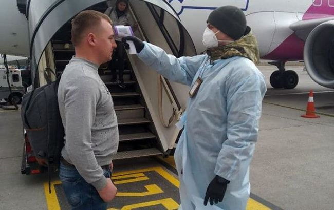 Минздрав готовит ужесточение правил въезда в Украину для невакцинированных граждан