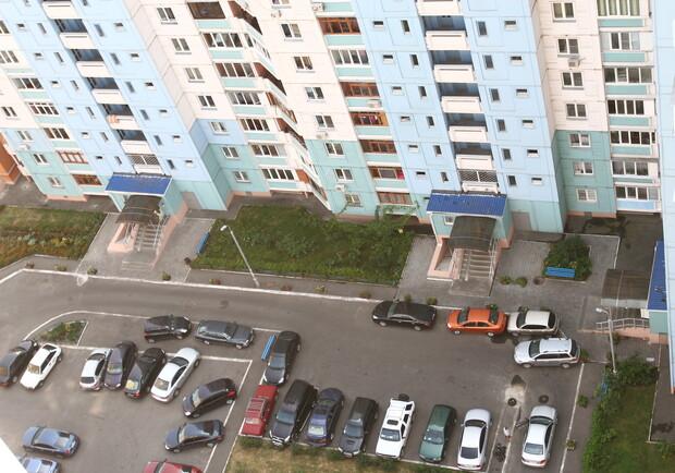 Киевлян заставят платить за парковку возле собственного дома