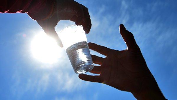 Как пить воду в жару, объяснили медики