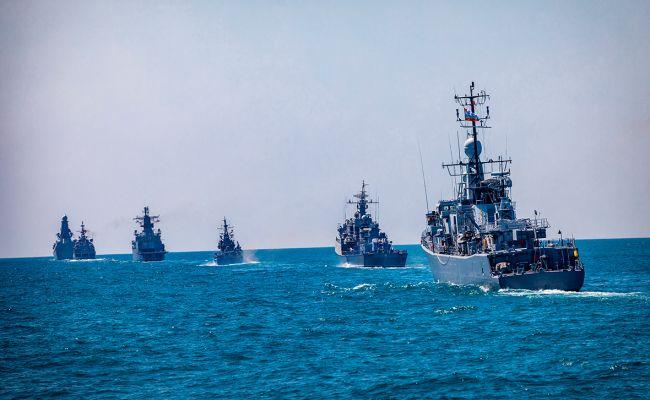 Оккупанты проводят учения в Черном море