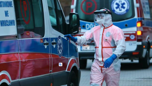 В Польше половина коронавирусных больных заражены штаммом Delta