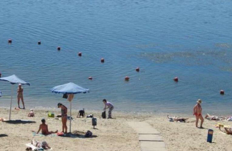 В Минздраве назвали пляжи, на которых опасно купаться