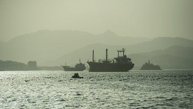 Вооруженная группа захватила британский танкер у берегов ОАЭ