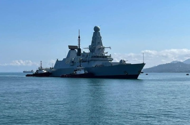 Адмирал НАТО заявил о возможности открыть огонь по российским кораблям в Черном море