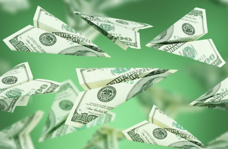 Поступления денежных переводов из-за рубежа выросли на четверть