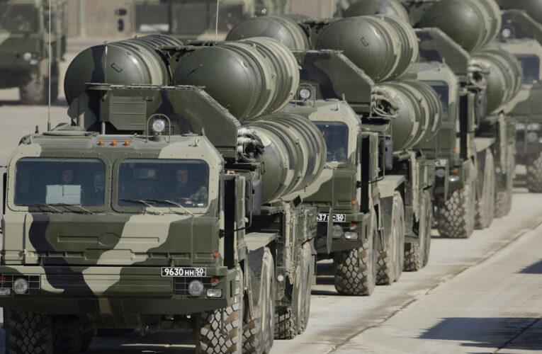 Российские ЗРК С-400 хочет разместить Лукашенко на границе с Украиной