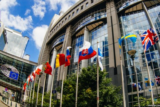 Евродепутат рассказал, как должна строиться политика ЕС в отношении