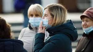 На выходных немного снизились заболеваемость и смертность от коронавируса