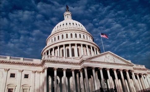 Американские сенаторы призывают Байдена выслать 300 российских дипломатов