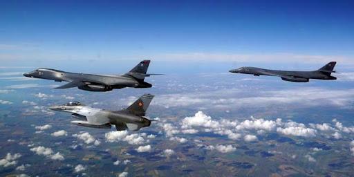 Четыре стратегических бомбардировщика B-1B перебросили США в Европу