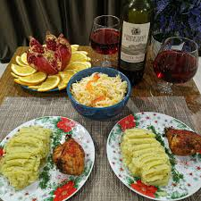 Медики предупредили о последствиях позднего ужина для здоровья