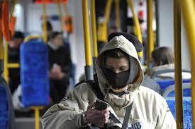 Невакцинированным украинцам могут запретить пользоваться транспортом